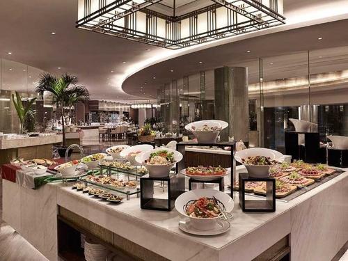 Buffet hải sản phong phú đầy hấp dẫn