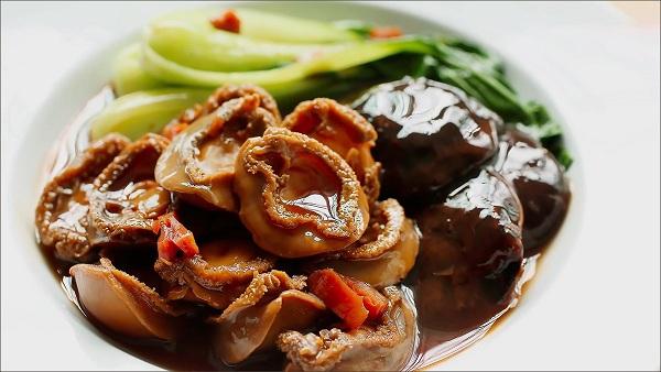 Món ăn hấp dẫn về cả thị giác và vị giác